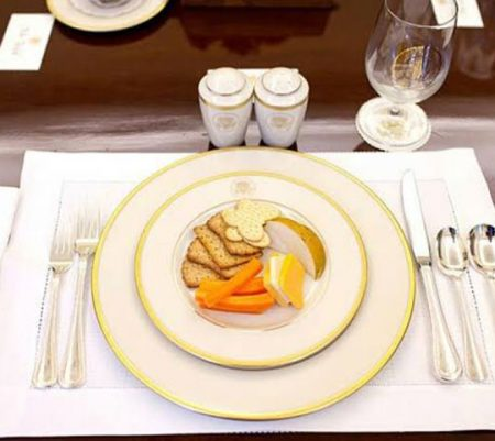 Learn Table Manner, Here Are 3 Basic Things You Need To Know